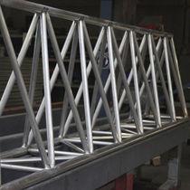 Fertigbau-Träger / aus Aluminium / Rechteck / Gitter