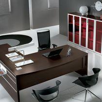 Schreibtisch mit integrierten Stauraum / zur gewerblichen Nutzung