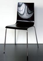 Moderner Besucherstuhl / mit Armlehnen / Stapel / recycelbar
