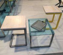Moderne Tisch- und Stuhlkombination / Holz / Metall / Glas
