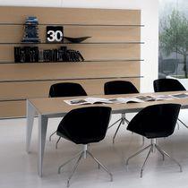 Moderner Bürostuhl / sternförmiger Fuß / drehbar / Metall