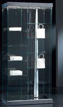 Moderne Vitrine / mit Fußgestell / Glas / lackiertes Holz