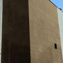 Natursteinfassadenverkleidung / poliert / Platten / plattenförmig