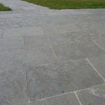 Natursteinbodenbelag / für öffentliche Bereiche / Fliesen / für Außenbereich