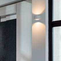 Moderne Wandleuchte / Außen / Aluminium / Glas