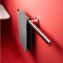Handtuchhalter / 2 Stangen / wandmontiert / aus Aluminium