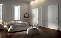 Innenbereich-Tür / mit seitlicher Drehachse / Holz
