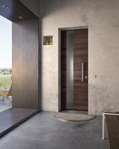 Eingangstür / einflügelig / Holz / mit Sicherheitsvorrichtung