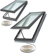 Projektions-Dachfenster / Holz / Aluminium / Doppelverglasung