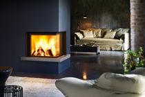 Holz-Kamin / modern / Geschlossene Feuerstelle / einbaufähig