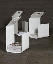 Moderner Zeitschriftenständer / Privatgebrauch / lackiertes Holz