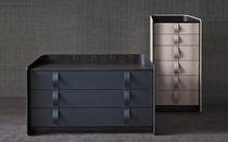 Moderne Kommode / Holz / Leder / von Carlo Colombo