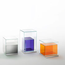 Beistelltisch / modern / polierter Edelstahl / Vorderseite aus Glas