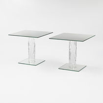 Moderne Bistrotisch / aus Kristall / quadratisch / für Innenbereich