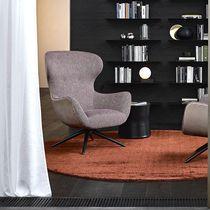 Moderner Sessel / Stoff / Leder / Holz