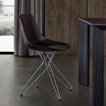 Moderner Stuhl / Massivholz / Metall