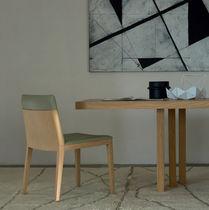 Moderner Stuhl / mit Armlehnen / Polster / aus Buche