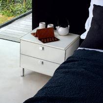 Nachttisch / rechteckig / Schlafzimmer / modern
