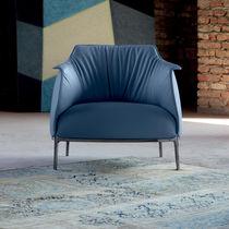 Moderner Sessel / Leder / Kopfstütze / mit Fußstütze