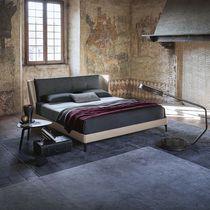 Doppelbett / Standard / modern / aus Buche
