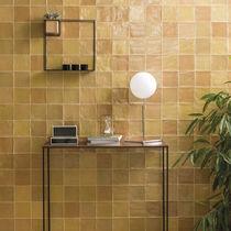 Innenraum-Fliesen / für Wände / Keramik / poliert