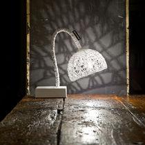 Tischlampe / modern / aus Gusseisen / Stahl