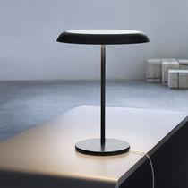 Tischlampe / modern / Metall / Innen