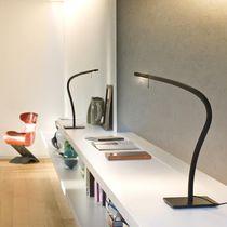 Tischlampe / modern / Aluminium / Innen