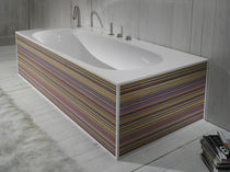 Freistehende Badewanne / aus Acrylharz