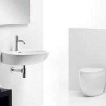 Wand-Waschbecken / oval / aus Keramik / modern