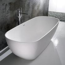 Freistehende Badewanne / oval / aus Keramik