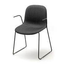 Besucherstuhl / Skandinavisches Design / mit Armlehnen / Polster / Kufen