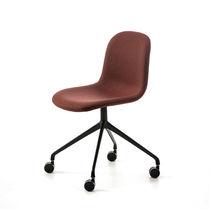 Moderner Bürostuhl / mit Rollen / sternförmiger Fuß / Stoff