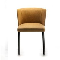 Moderner Stuhl / Polster / aus lackiertem Stahl / Contract