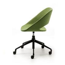 Moderner Bürostuhl / mit Rollen / sternförmiger Fuß / Polster