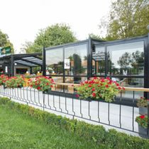 Selbsttragende Veranda / Glas / aus Aluminium / Gewerbe