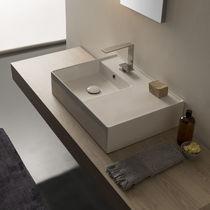 Aufsatzwaschbecken / rechteckig / modern / mit integrierter Waschtischplatte