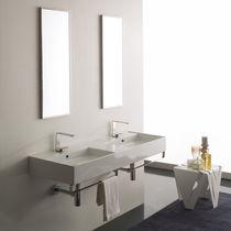 Doppeltes Waschbecken / Wand / rechteckig / modern