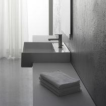 Einbauwaschbecken / quadratisch / Keramik / modern