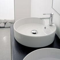 Aufsatzwaschbecken / rund / Keramik / modern