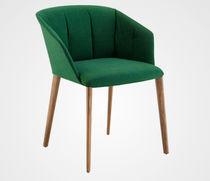Moderner Stuhl / mit Armlehnen / mit Rollen / sternförmiger Fuß
