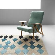 Moderner Sessel / Stoff / Leder / Nussbaum