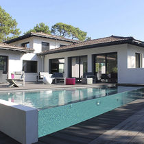 Teileingebautes Schwimmbecken / Glas / aus Methacrylat / für Hotels