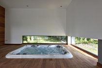 Hot-Tub / Einbau / quadratisch / Mehrsitzer. / Innenbereich