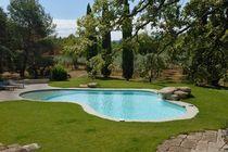 Erdverlegtes Schwimmbecken / Beton / für Außenbereich