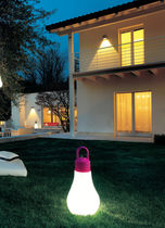 Tragbare Lampe / modern / aus Polyethylen / Garten
