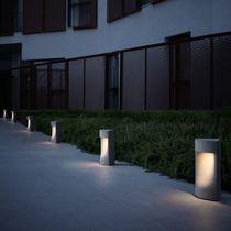 Garten-Leuchtpoller / modern / Beton / LED