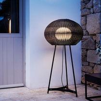Lampe mit Fußgestell / modern / Polyethylen / Innenbereich