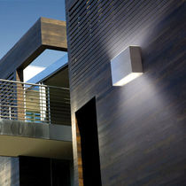 Moderne Wandleuchte / für den Garten / Außen / Glas