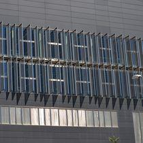 Metallgewebe-Sonnenschutzlamelle / Edelstahl / für Fassaden / vertikal